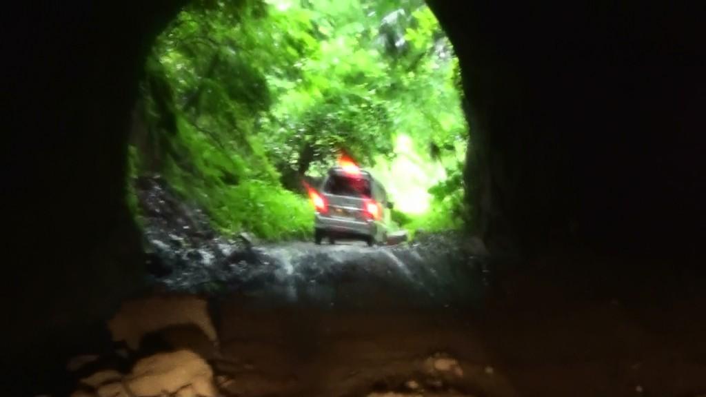 六本木林道手掘りトンネル2 (1)